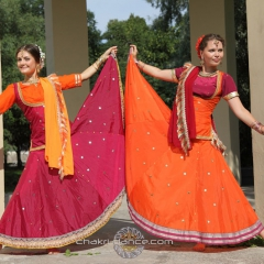 Прокат индийских костюмов – любой на выбор. Залог 1500 руб. Прокат - 800