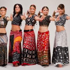 Прокат индийских костюмов – любой на выбор. Залог 2000 руб. Прокат - 1000