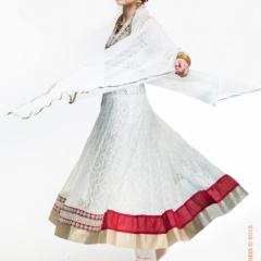 Белый шальвар-камиз — Анаркали в прокат. Залог 4000 руб. Прокат 1800 руб. Размер 42-44