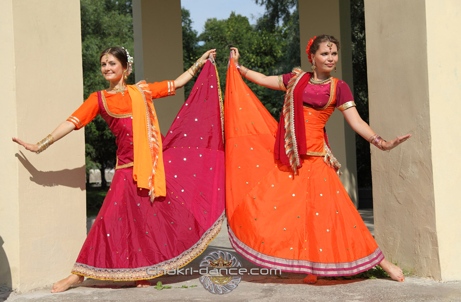 http://chakri-dance.com/wp-content/uploads/2015/02/071.jpg