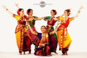 храмовый индийский танец