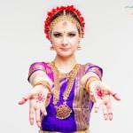 """Обучение индийским танцам в студии """"Чакри"""""""