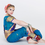 Глаза индийской танцовщицы отражают сакральный смысл, скрытый в танце