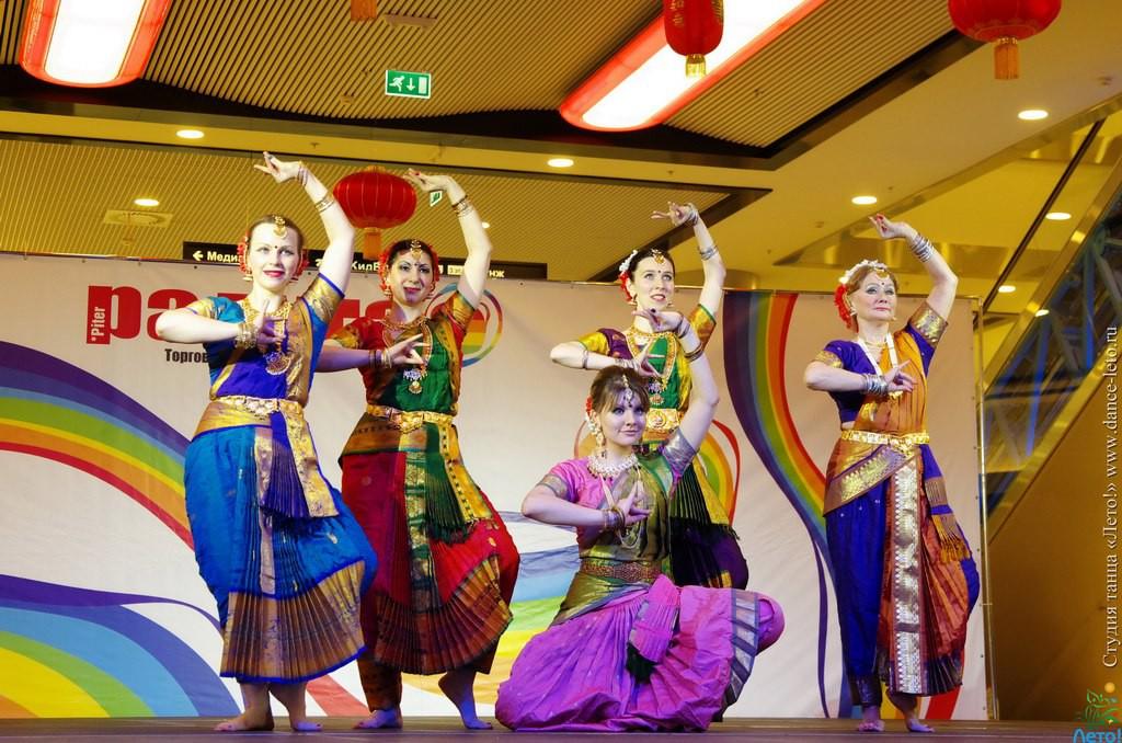 обучениек индийскому танцу в Санкт-Петербурге